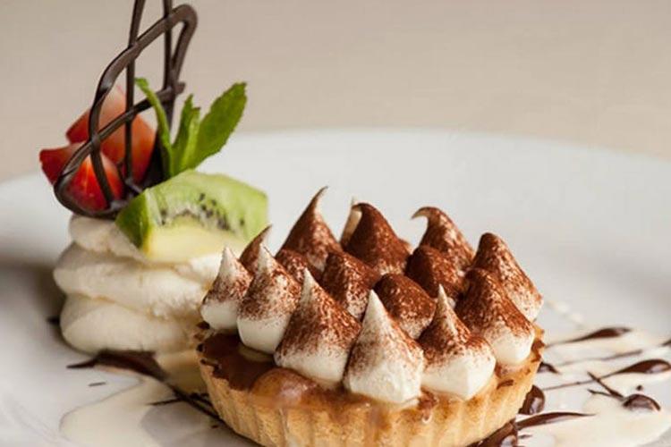 Loch-Ness-Lodge-Hotel-Pibroch-Bar-Dessert