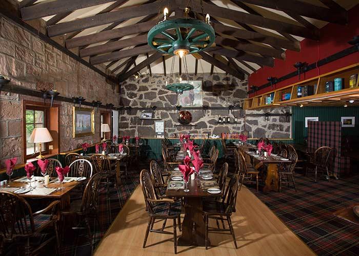 Nessiieland-Pibroch-Bar-and-Restaurant-Interior-2
