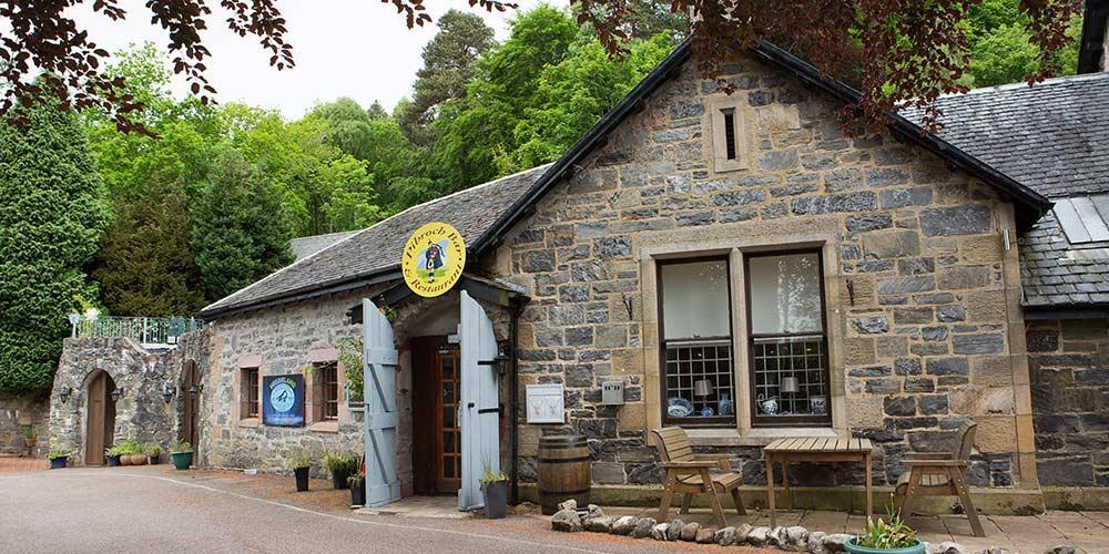 Nessiieland-Pibroch-Bar-and-Restaurant
